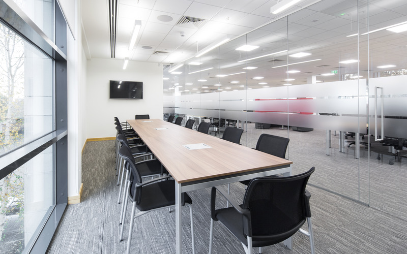 Long Meeting Room (1)
