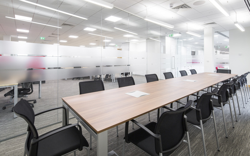 Long Meeting Room (2)